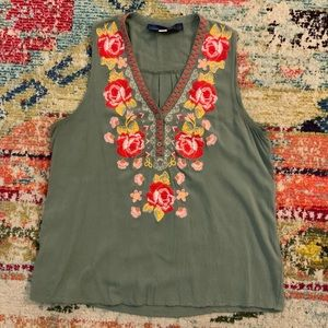 Francesca's Collection Floral Embroidery Top